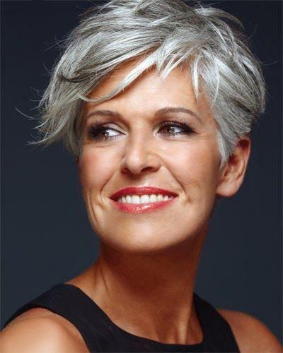 Cuál es la técnica de maquillaje de dia que te hará destacar en tus próximos eventos